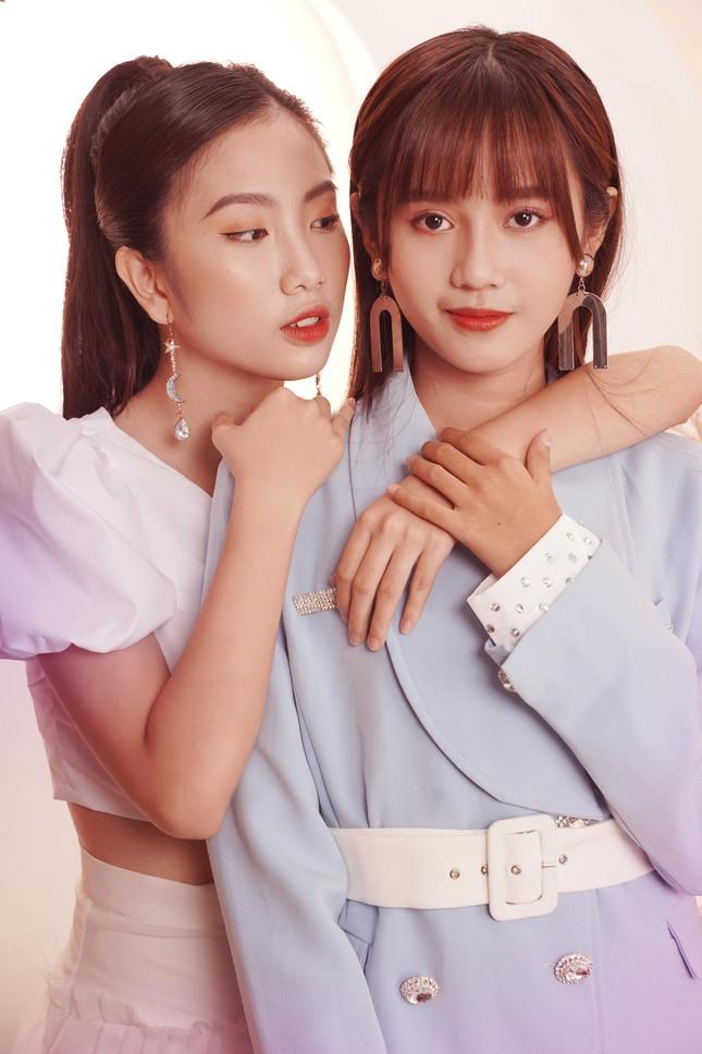 """SGO48 tung bộ ảnh """"chị chị em em"""" dịp Valentine khiến fan phấn khích ảnh 2"""