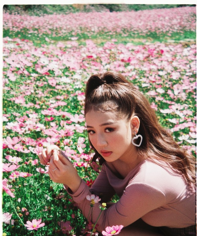 """Học bí kíp thả thính """"cực ngọt"""" của bộ đôi """"Anh nhà ở đâu thế"""" trong MV mới  ảnh 5"""