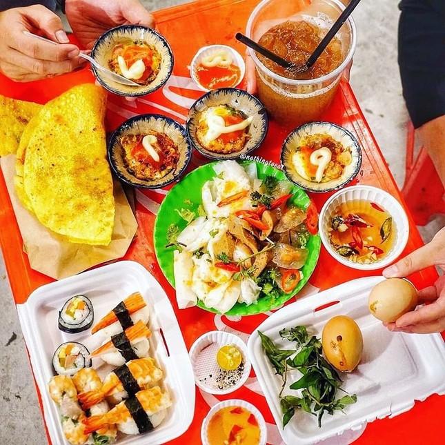 """Những khu ẩm thực nổi tiếng cực thu hút các """"thực thần"""" ở Đà Nẵng ảnh 8"""