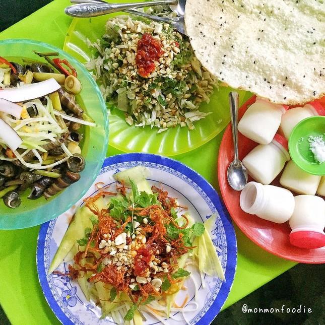 """Những khu ẩm thực nổi tiếng cực thu hút các """"thực thần"""" ở Đà Nẵng ảnh 9"""