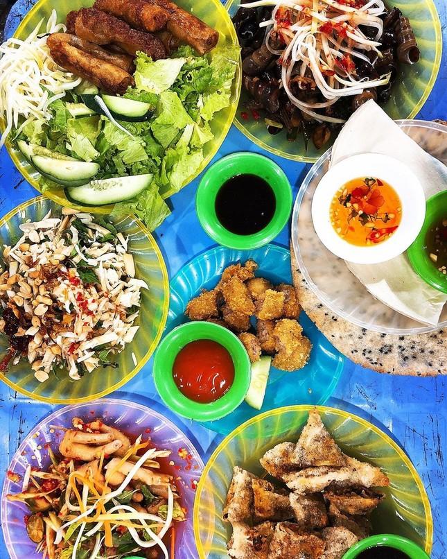 """Những khu ẩm thực nổi tiếng cực thu hút các """"thực thần"""" ở Đà Nẵng ảnh 10"""