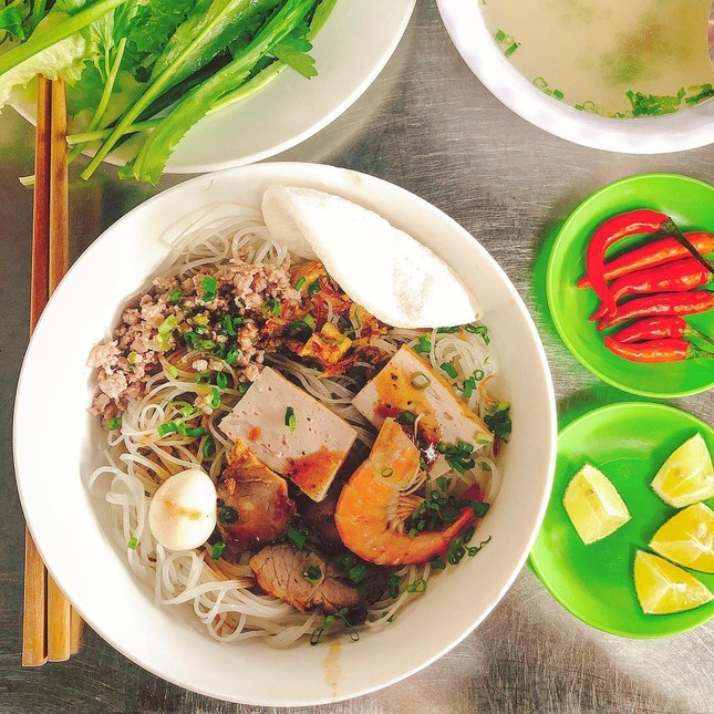 """Những khu ẩm thực nổi tiếng cực thu hút các """"thực thần"""" ở Đà Nẵng ảnh 12"""
