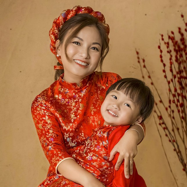 Chật vật vì luật mới của YouTube, Quỳnh Trần đã tìm được cách để có thể quay vlog cùng bé Sa ảnh 3