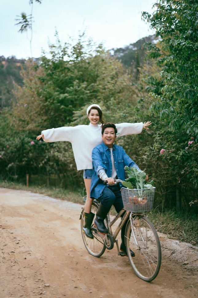 Trường Giang - Nhã Phương tung bộ ảnh ngọt ngào kỷ niệm ngày lễ Valentine ảnh 4