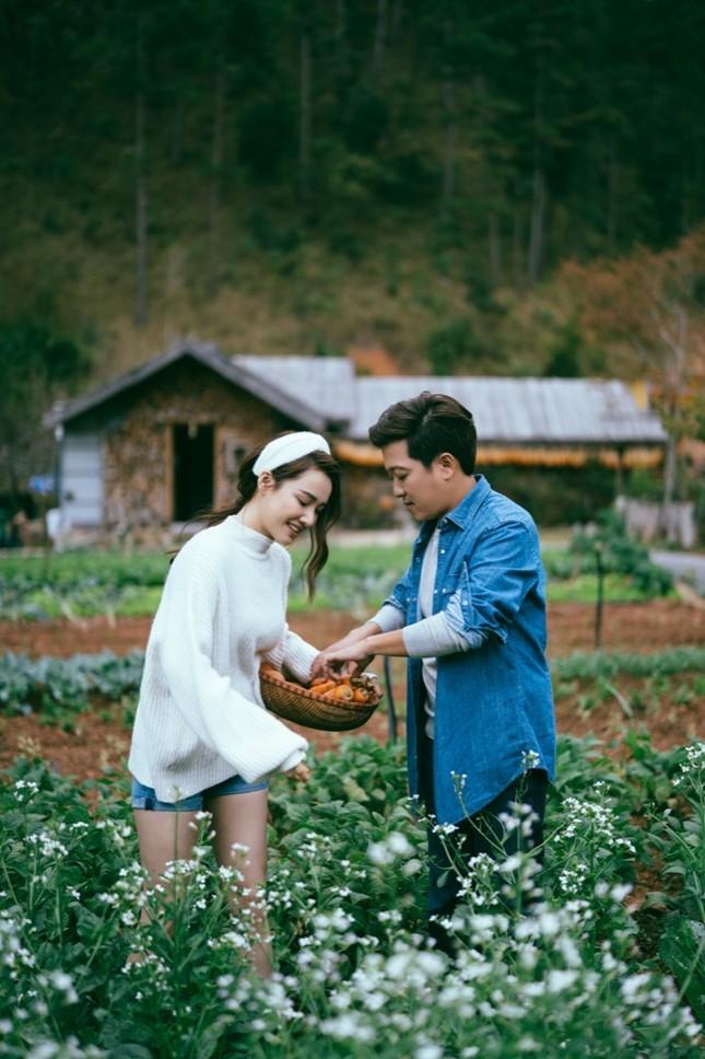 Trường Giang - Nhã Phương tung bộ ảnh ngọt ngào kỷ niệm ngày lễ Valentine ảnh 2