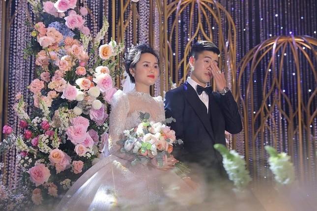 Đức Chinh, Văn Thanh khoe ảnh ngọt ngào bên bạn gái trong Valentine ảnh 1