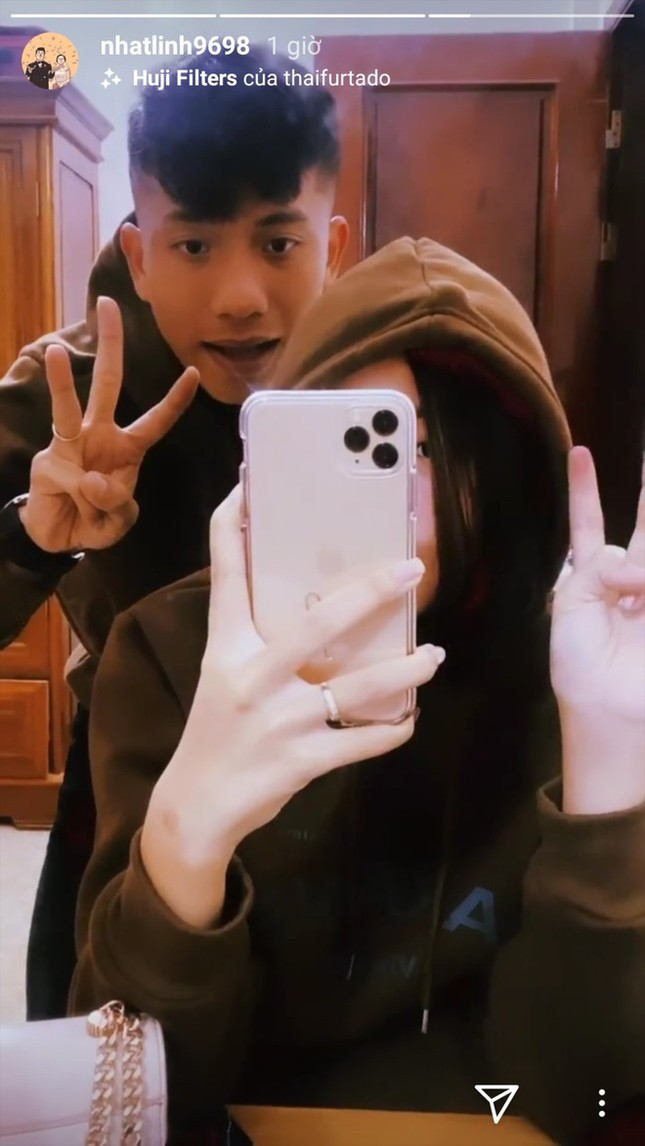 Đức Chinh, Văn Thanh khoe ảnh ngọt ngào bên bạn gái trong Valentine ảnh 5