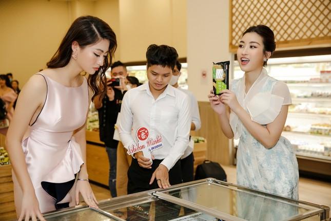 Đỗ Mỹ Linh, Lương Thuỳ Linh hội ngộ dàn sao Việt, rủ nhau đi mua sắm dịp cuối tuần ảnh 3