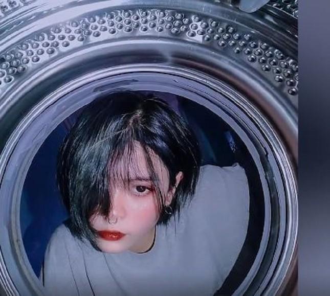 """Lên ảnh với máy giặt """"ngầu lòi"""", ai ngờ hậu trường chụp ảnh của giới trẻ lại thế này đây ảnh 4"""