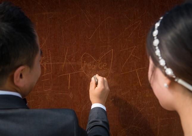 """""""Hạ cánh nơi anh"""" phiên bản thật của chàng Triều Tiên, nàng Hàn Quốc ảnh 5"""