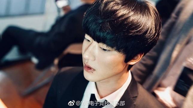 Ảnh thẻ đẹp như diễn viên gây sốt của hot boy làng game Hàn Quốc ảnh 1