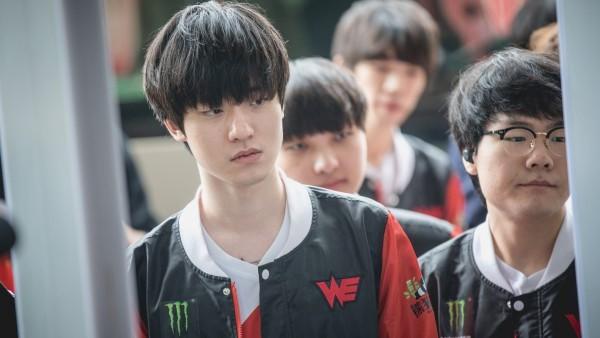 Ảnh thẻ đẹp như diễn viên gây sốt của hot boy làng game Hàn Quốc ảnh 4