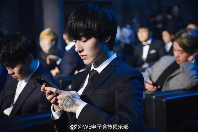 Ảnh thẻ đẹp như diễn viên gây sốt của hot boy làng game Hàn Quốc ảnh 10