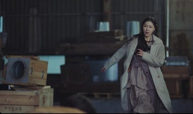 """""""Check giá"""" trang phục siêu đẹp của Yoon SeRi và Seo Dan trong 2 tập cuối Hạ Cánh Nơi Anh ảnh 1"""