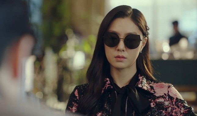 """""""Check giá"""" trang phục siêu đẹp của Yoon SeRi và Seo Dan trong 2 tập cuối Hạ Cánh Nơi Anh ảnh 7"""