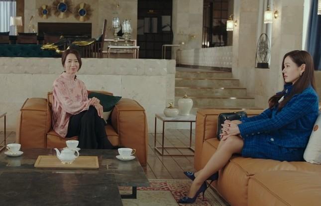 """""""Check giá"""" trang phục siêu đẹp của Yoon SeRi và Seo Dan trong 2 tập cuối Hạ Cánh Nơi Anh ảnh 15"""