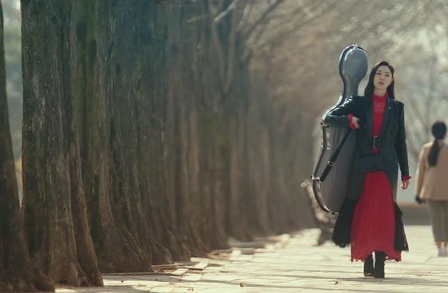 """""""Check giá"""" trang phục siêu đẹp của Yoon SeRi và Seo Dan trong 2 tập cuối Hạ Cánh Nơi Anh ảnh 19"""