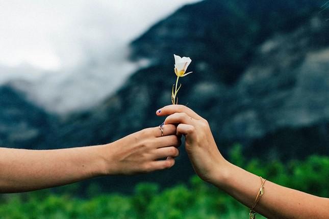 Vẻ đẹp không liên quan nhiều đến ngoại hình mà nằm bên trong trái tim bạn ảnh 1