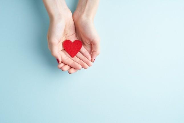 Vẻ đẹp không liên quan nhiều đến ngoại hình mà nằm bên trong trái tim bạn ảnh 2