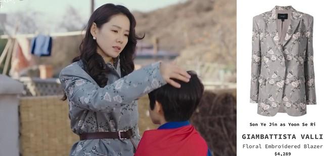 Thời trang đỉnh cao của Yoon SeRi - con gái tài phiệt kiêm Tổng Giám Đốc trong HCNA ảnh 3