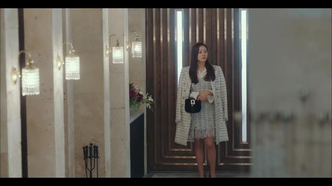 Thời trang đỉnh cao của Yoon SeRi - con gái tài phiệt kiêm Tổng Giám Đốc trong HCNA ảnh 6