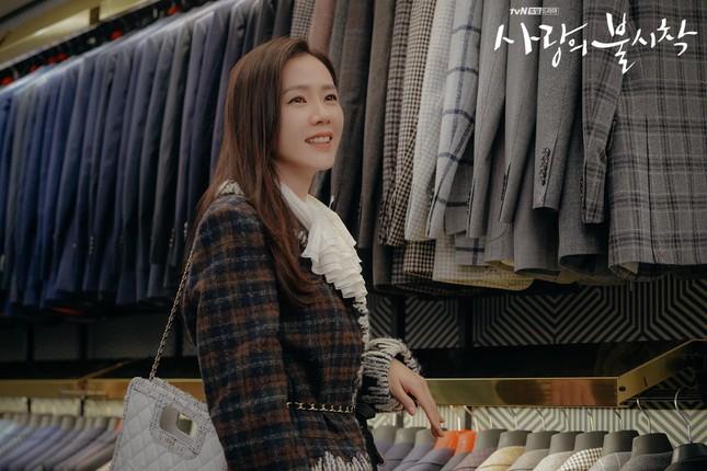 Thời trang đỉnh cao của Yoon SeRi - con gái tài phiệt kiêm Tổng Giám Đốc trong HCNA ảnh 9