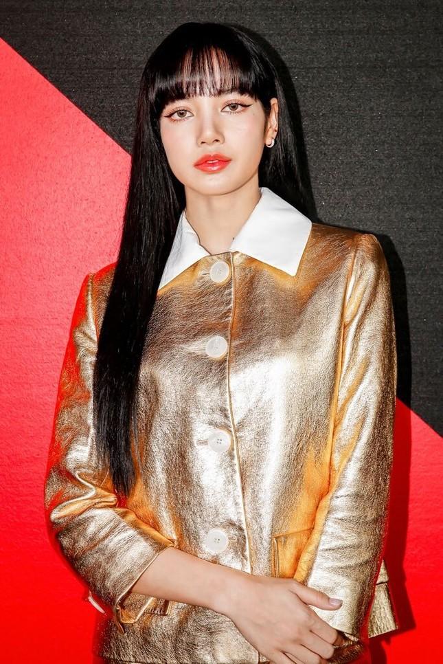 Chỉ có thể là Lisa: mặc đồ siêu kén dáng nhưng vẫn sang chảnh hết phần thiên hạ ảnh 5