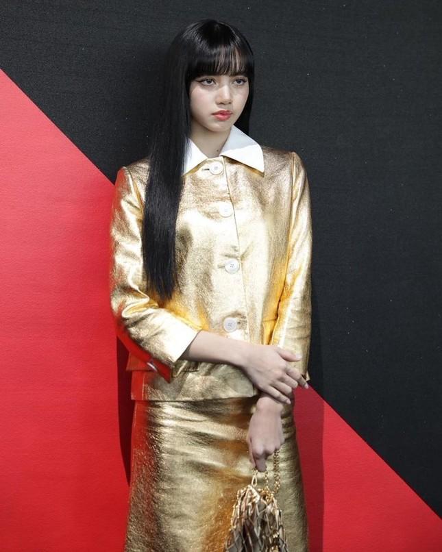 Chỉ có thể là Lisa: mặc đồ siêu kén dáng nhưng vẫn sang chảnh hết phần thiên hạ ảnh 4