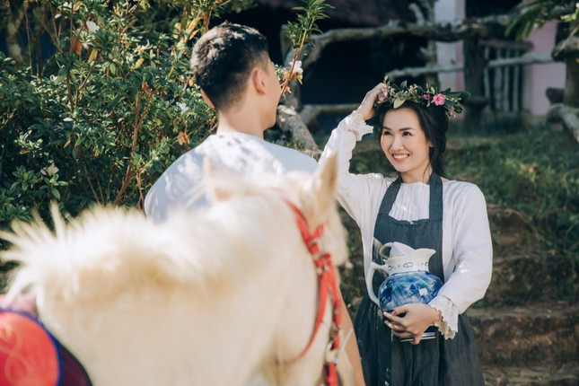 Võ Hạ Trâm lan toả hạnh phúc viên mãn trong MV mới quay tại Đà Lạt ảnh 1