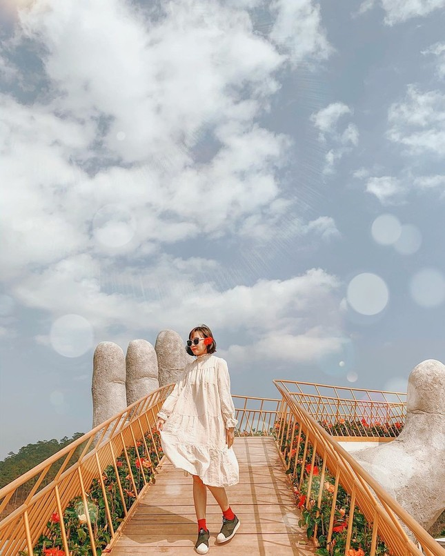 Thỏa sức sống ảo ở cây cầu bàn tay phiên bản thu nhỏ tại Đà Lạt ảnh 4