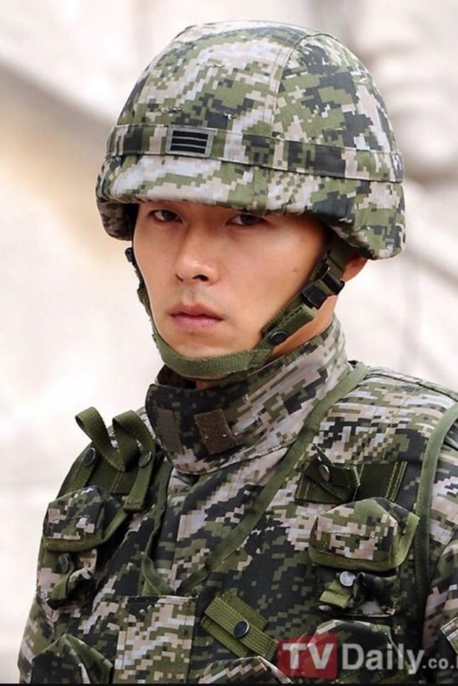Hyun Bin: Vạn vật thay đổi, duy chỉ có sự đẹp trai là ở lại suốt 15 năm  ảnh 4
