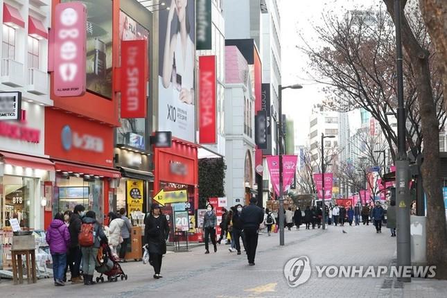 Người Hàn ồ ạt mua khẩu trang, siêu thị cháy hàng trong tâm dịch ảnh 6