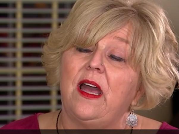"""Bác Vickie West đang kể về """"khoảnh khắc khủng khiếp nhất"""" của đời mình."""