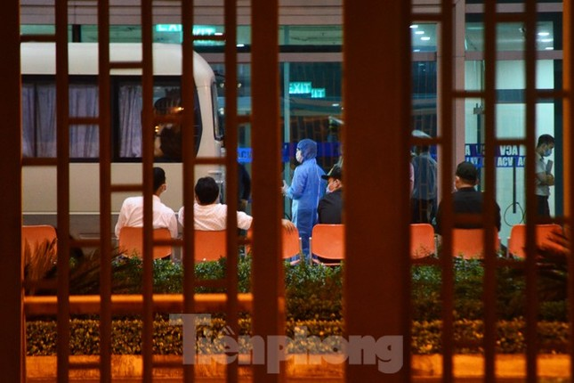 Đoàn du khách của Daegu rời Đà Nẵng về Hàn Quốc lúc nửa đêm ảnh 5