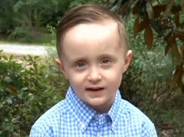 Cậu bé Josiah Duncan.