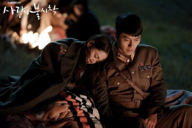 """Tuyển tập """"bùa yêu"""" cộp mác Trung đội trưởng Ri Jeong Hyeok ảnh 4"""