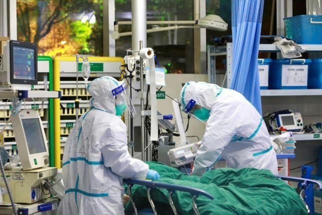 """""""Vắc xin"""" giữa tâm dịch SARS-COV-2: Chẳng ai khác ngoài chính chúng ta ảnh 2"""