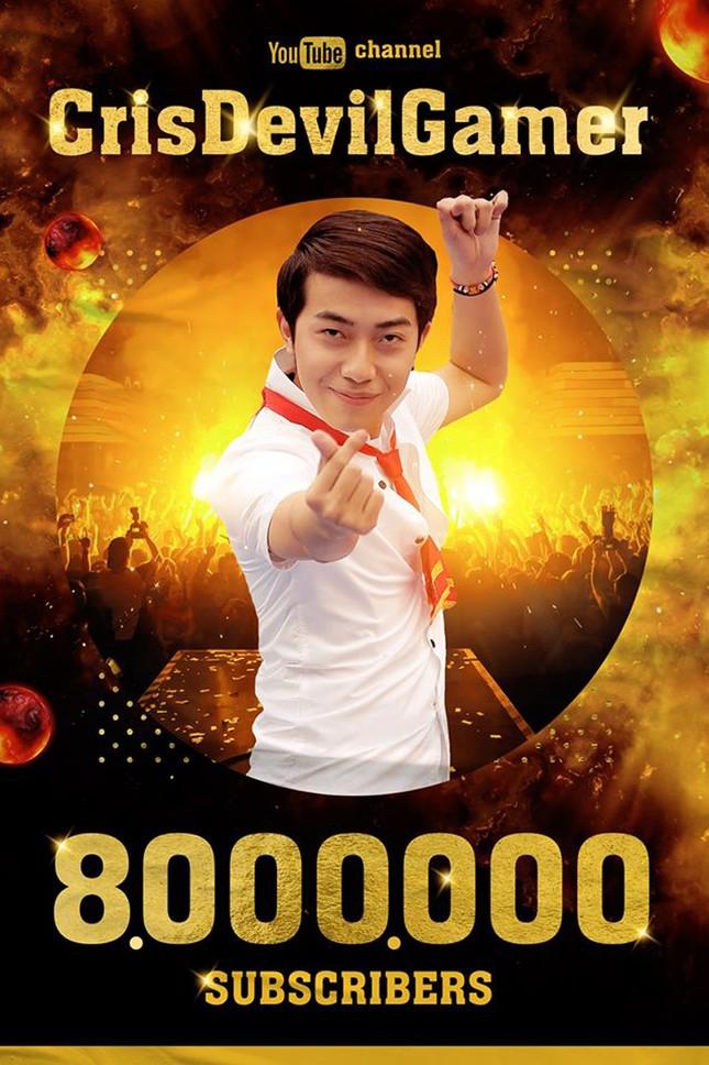 Cris Phan đạt 8 triệu sub trên YouTube, trở thành kênh game có lượng người theo dõi lớn nhất Việt Nam ảnh 1