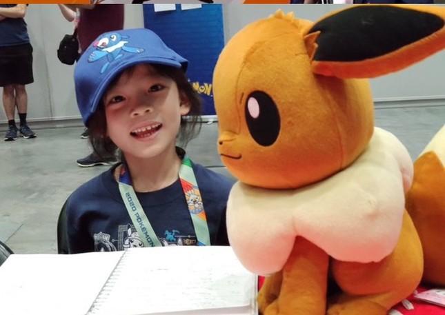 Giới eSports ngưỡng mộ cậu bé 7 tuổi đã vô địch giải đấu Pokemon thiếu niên ảnh 2