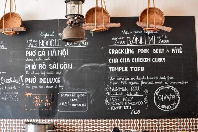 Những tiệm bánh mì Việt Nam nổi tiếng và được khắp thế giới yêu thích ảnh 11