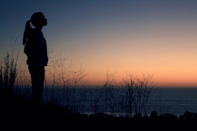 Trong sâu thẳm tâm hồn, bạn có nỗi niềm nào không thể chia sẻ với mọi người? ảnh 4