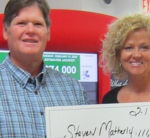 Vợ chồng bác Matherly khi đi nhận giải thưởng.