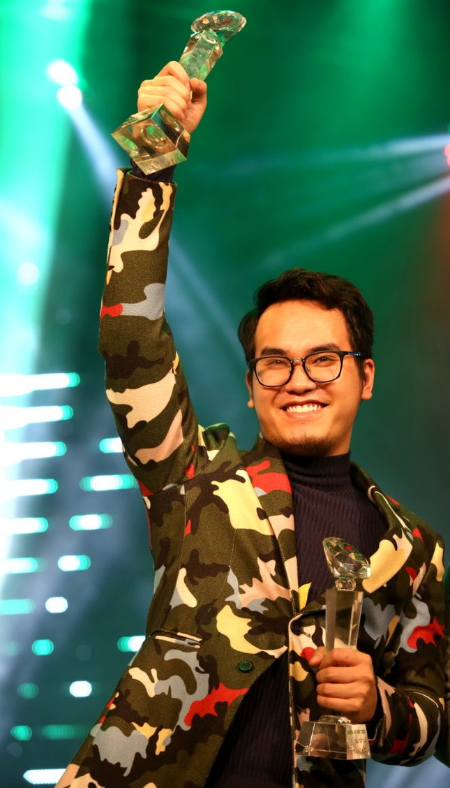 """""""Ghen Cô Vy"""" của Erik - Min - Khắc Hưng được Billboard hết lời khen ngợi  ảnh 2"""