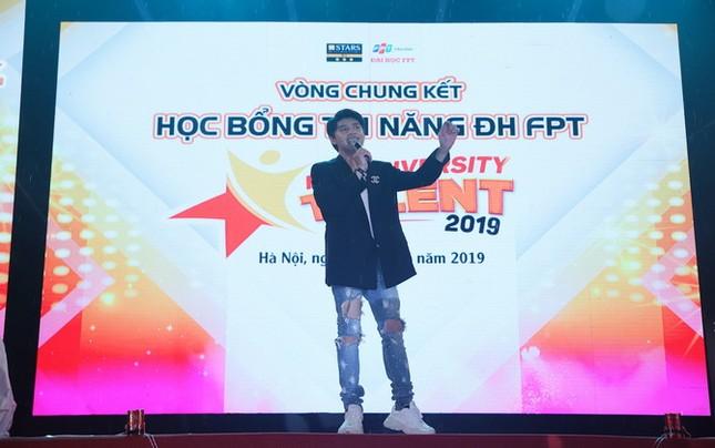 Nêu thông điệp Cứu Trái Đất, nữ sinh Hà Nội giành Quán quân cuộc thi tài năng ĐH FPT