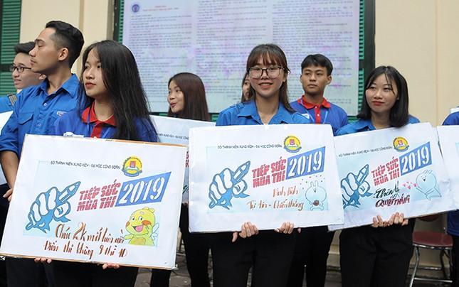 Tình nguyện Tiếp sức mùa thi hỗ trợ tối đa cho thí sinh