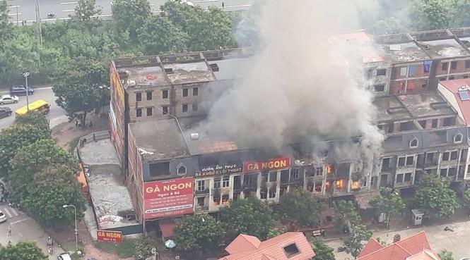 Dãy nhà tan hoang ở Thiên đường Bảo Sơn sau vụ cháy khủng khiếp - ảnh 3