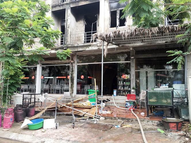 Dãy nhà tan hoang ở Thiên đường Bảo Sơn sau vụ cháy khủng khiếp - ảnh 15