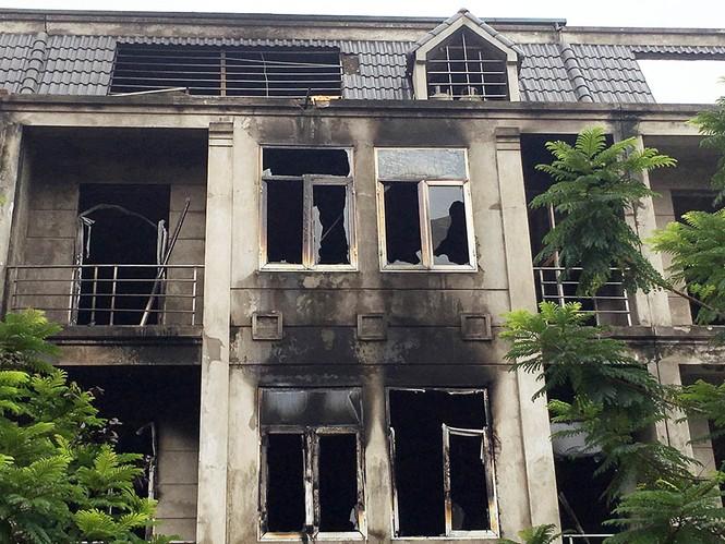 Dãy nhà tan hoang ở Thiên đường Bảo Sơn sau vụ cháy khủng khiếp - ảnh 18