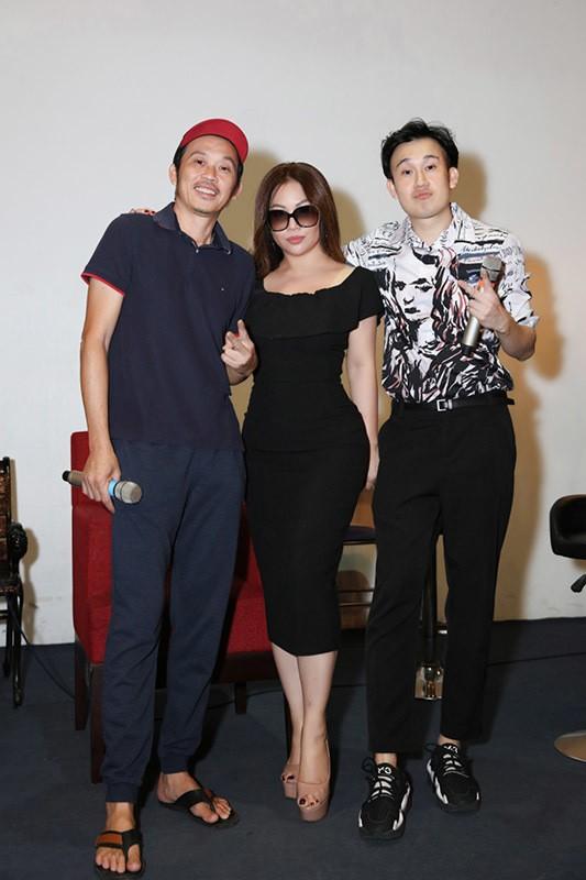 Kaity Nguyễn gợi cảm trong cảnh phim mới; Lâm Vỹ Dạ vui vẻ, lạc quan giữa cơn bão anti-fan - ảnh 3