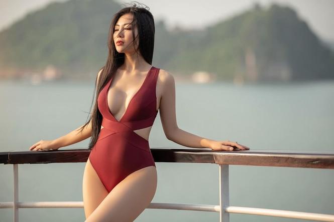 Thanh Hương 'Lan Cave' tung ảnh bikini khoe vòng 1 căng đầy - ảnh 1